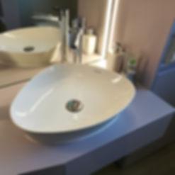 Badezimmerumbau, Möbel, Einrichtungen auf Mass, Led-Lichtband vertikal