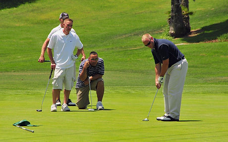 golfers-661792_1920_edited.jpg