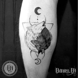 Lobos Dualidad Tattoo Blackwork