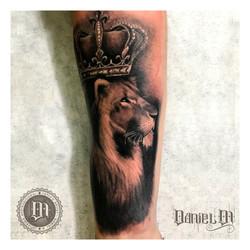 Corona Leon Tattoo Realismo