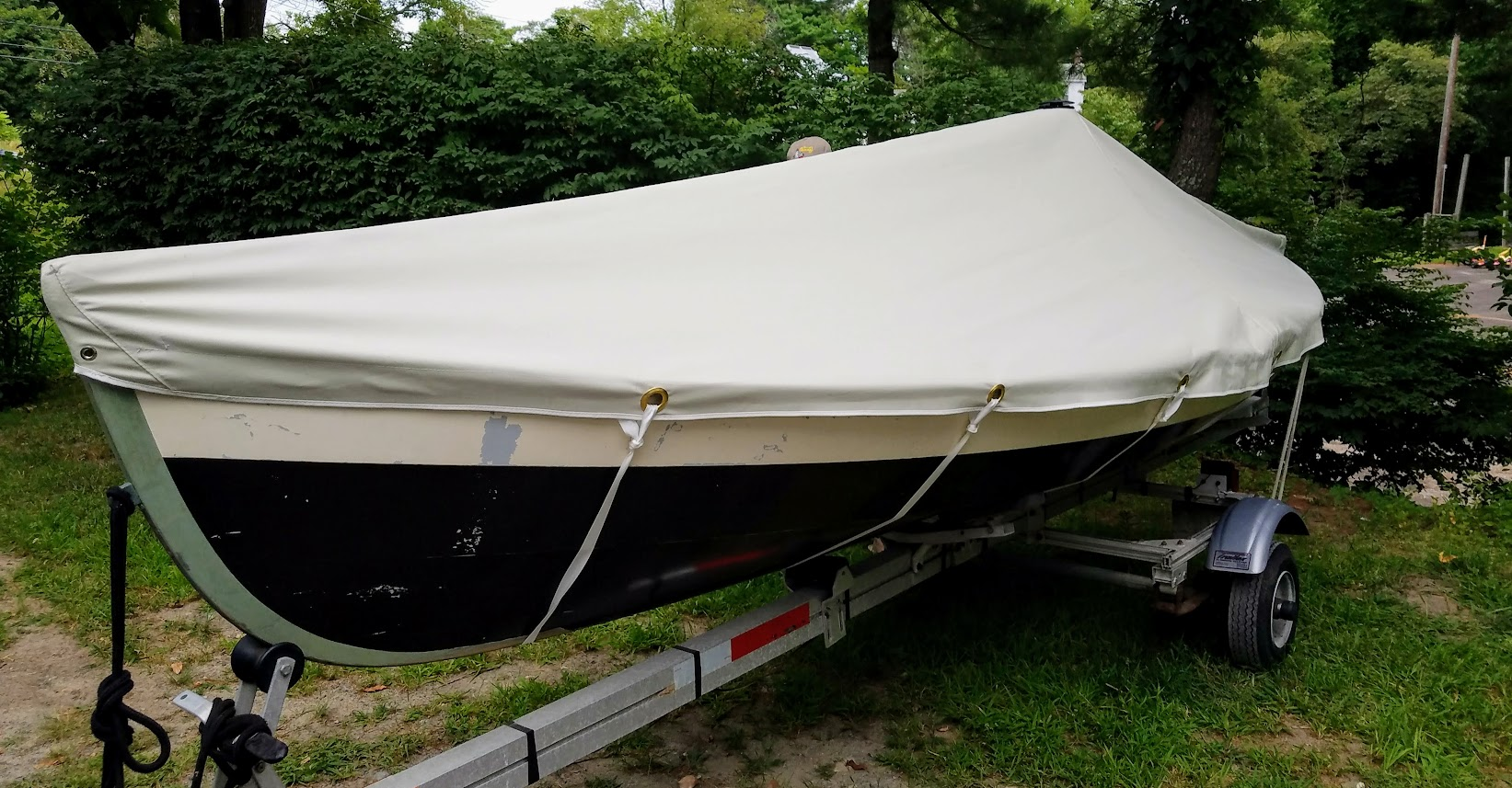 Custom boat cover in Top Gun