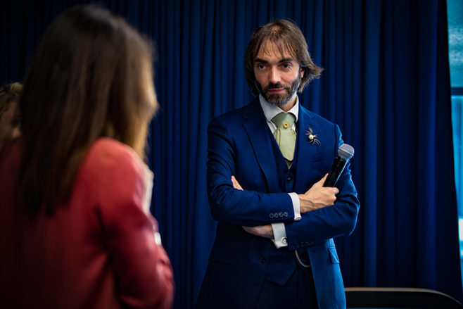 cédric villani conférence facebook france bureau paris
