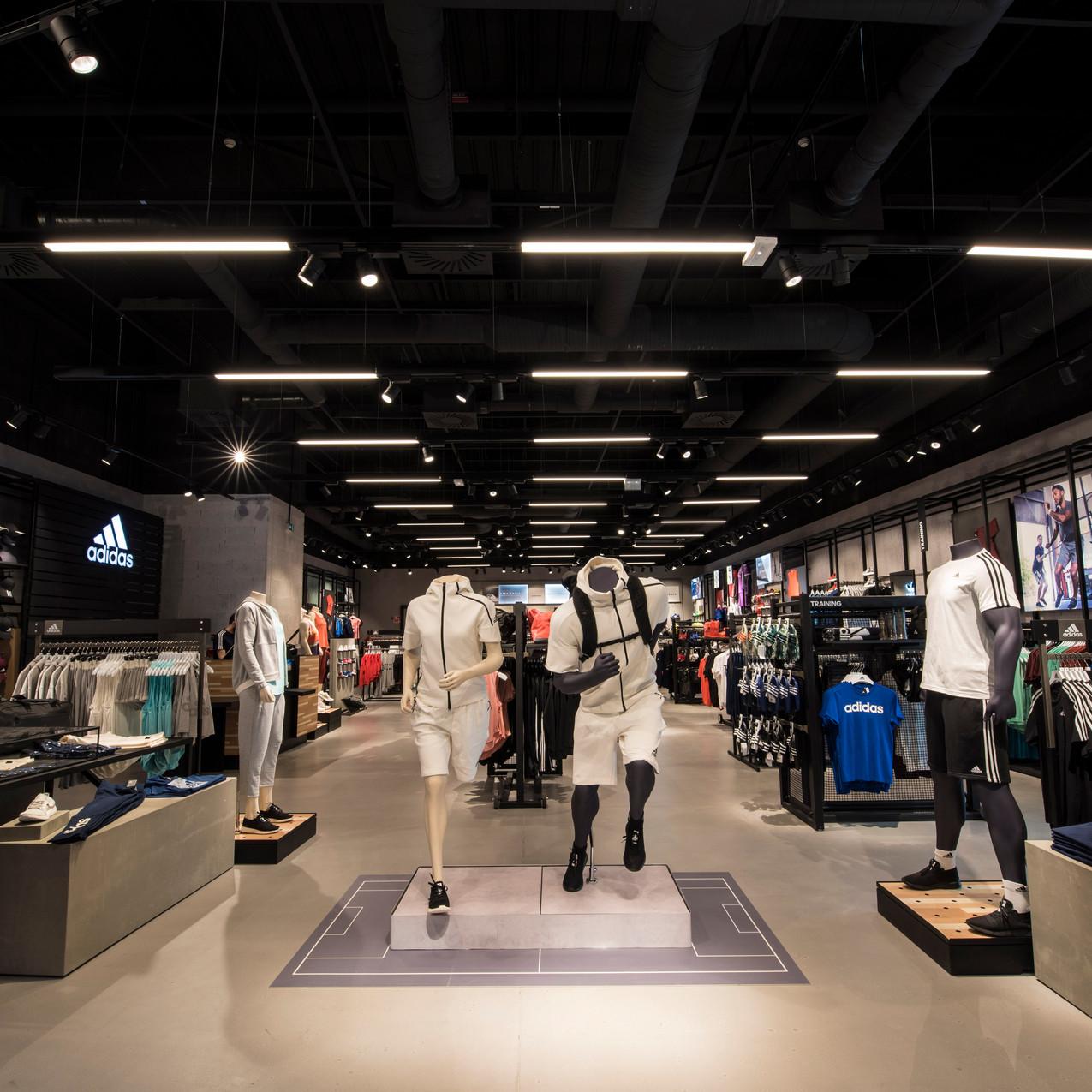 photographe architecture nice magasin adidas cap 3000