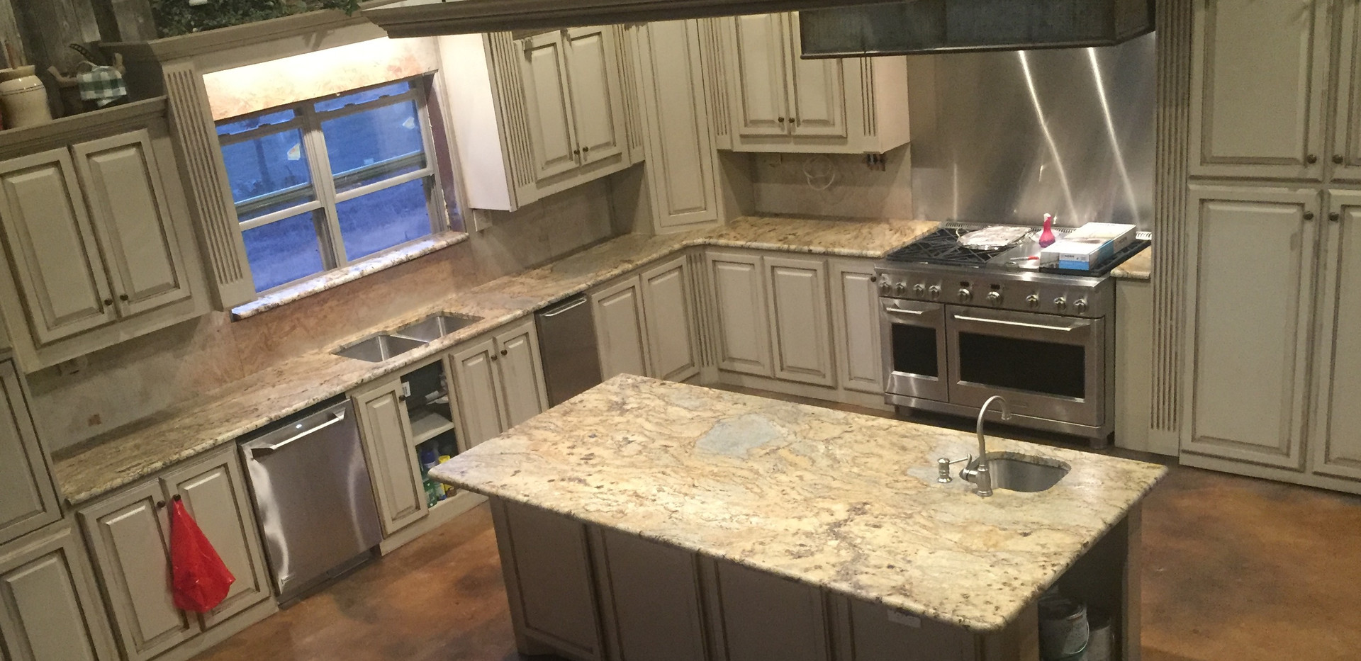Juperana_persa_granite_kitchen_island_co