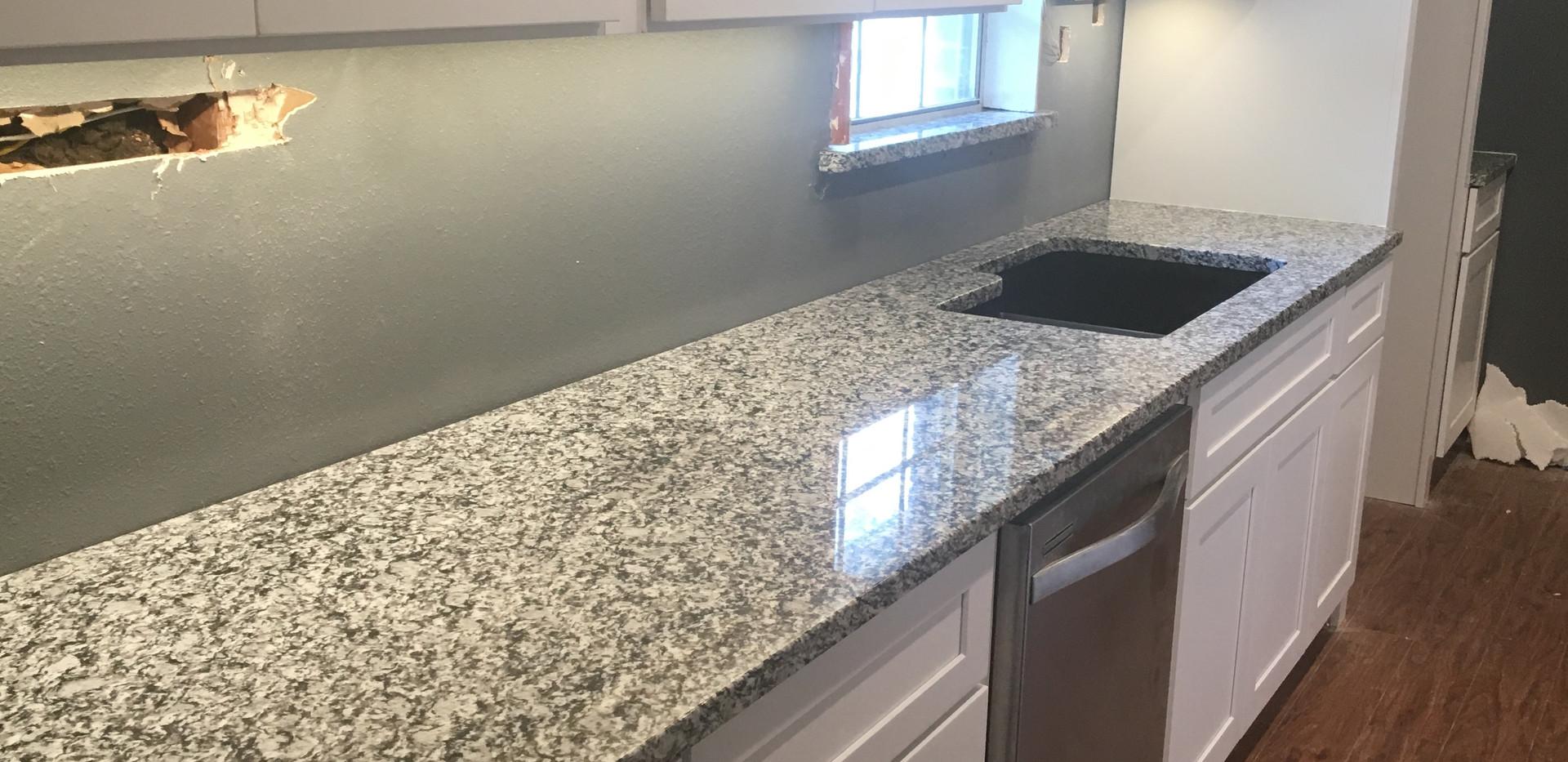 waterwave_granite_countertop_kitchen.JPG