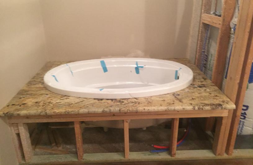 topmount_tub_granite_bathroom.JPG