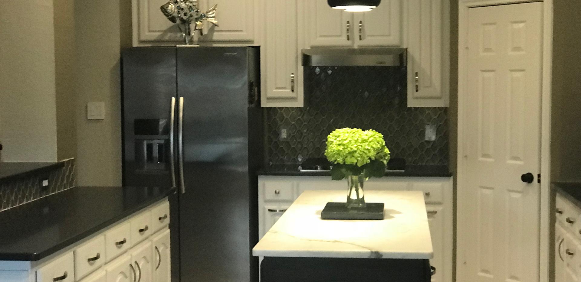 Black quartz countertop kitchen.png