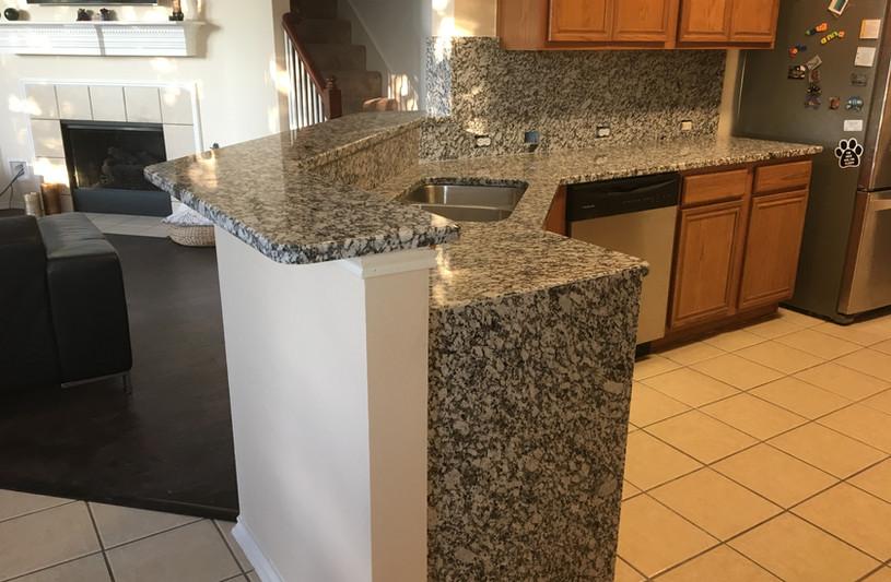 waterfall_granite_kitchen.JPG