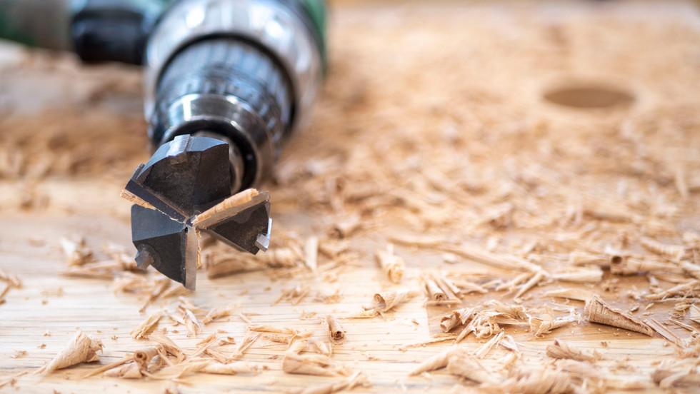 Skreddersydd plassbygd interiør, eksteriør og restaurering - Åver Håndverksnikkeri