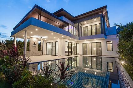 Modern luxury villa with swimming pool.j