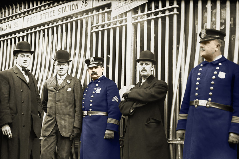 Historical photo, police officers and men in suits