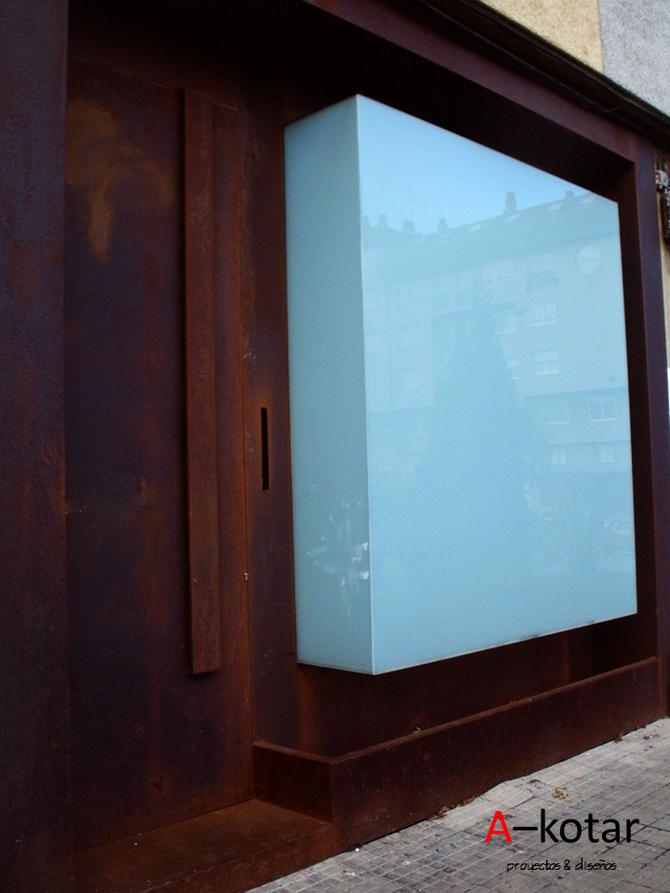 Transformación de un garaje oscuro en luminoso Loft de diseño