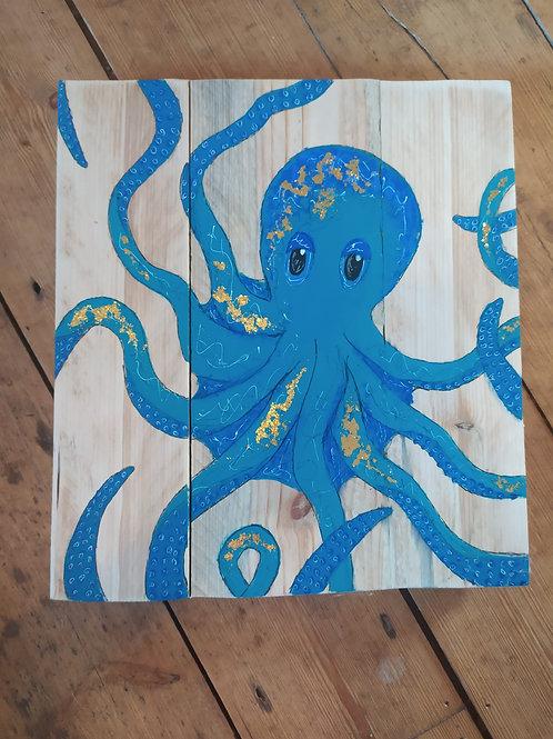 Octopus on pallet wood