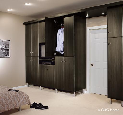 closet g1.jpg
