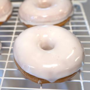 White Glazed Donut www.thebakehousecumberland_edited.jpg