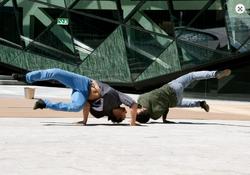 MEETING_POINT_–_Ertza_danza_y_teatro,_dantza_eta_antzerkia
