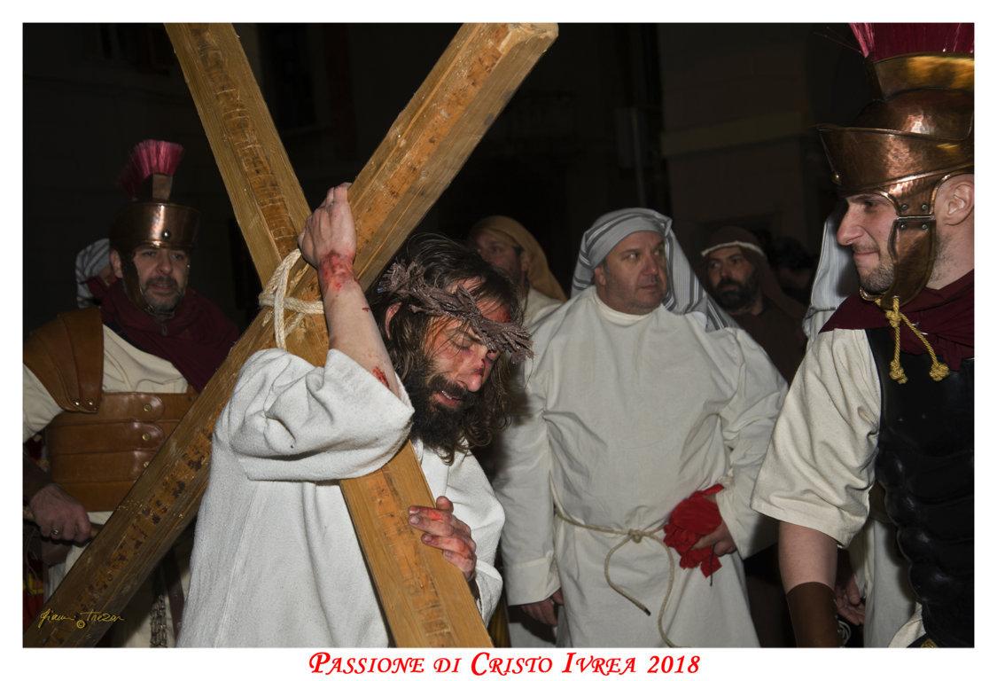 Passione_di_Cristo_Ivrea_2018_-_Città_UNESCO_-_Gianni_Trezar_-_(Il_Calvario_del_Cristo)