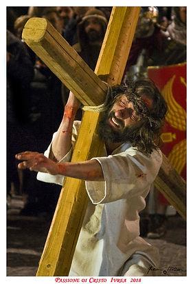 Cristo con la Croce - Non è il film di Mel Gibson ma La Passione di Cristo, Sacra Rappresentazione Medievale di Ivrea - Davide Mindo