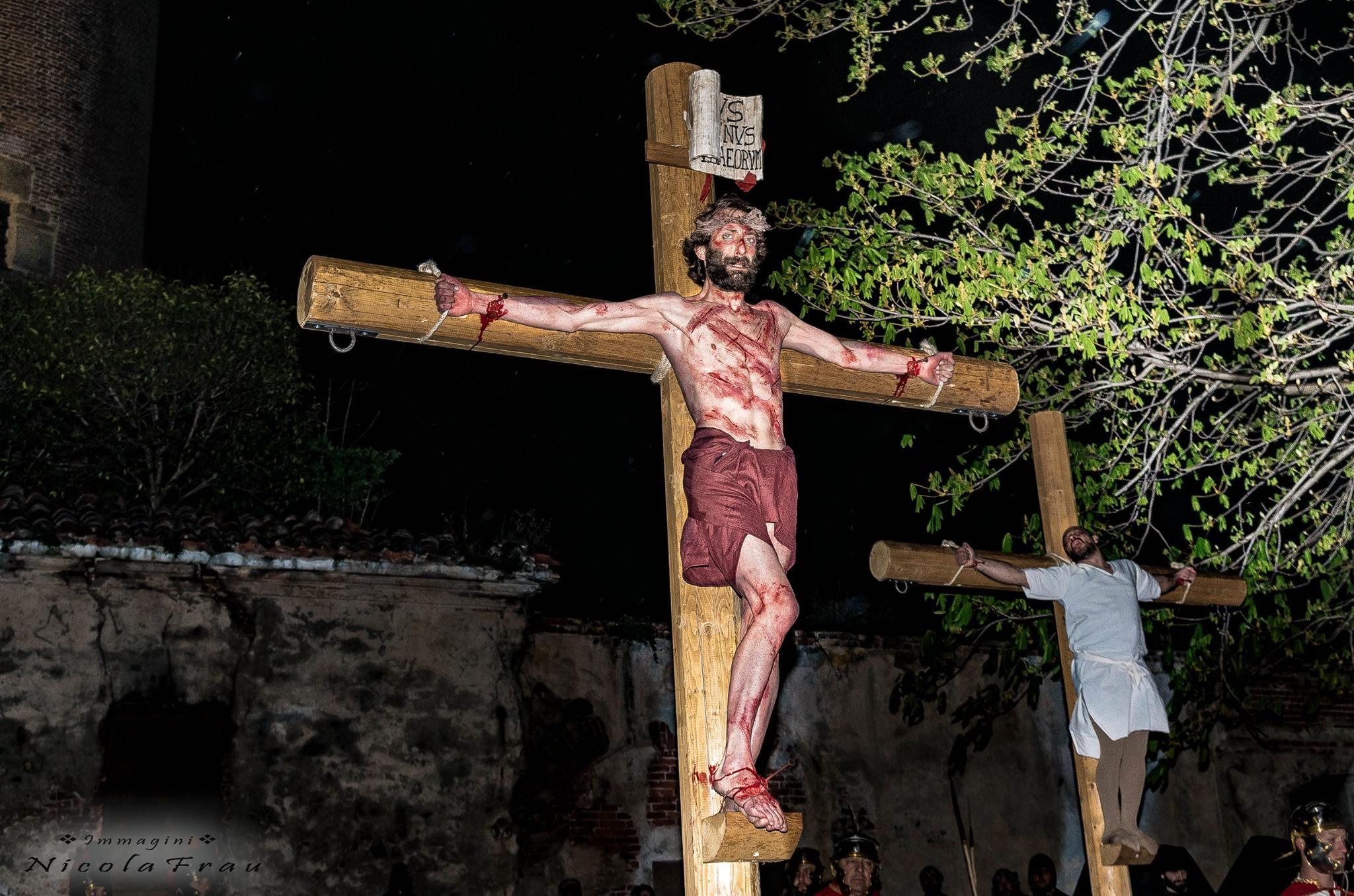 Passione di Cristo Ivrea 2017 - UNESCO - Nicola Frau (Il Cristo in Croce)