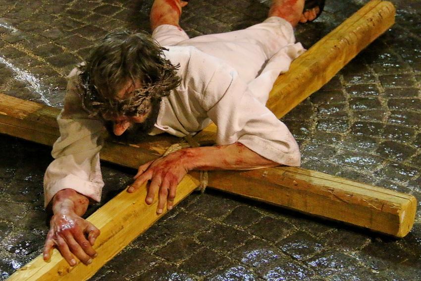 Passione di Cristo Ivrea 2017 - UNESCO - Fulvio Lavarino (Caduta di Cristo)