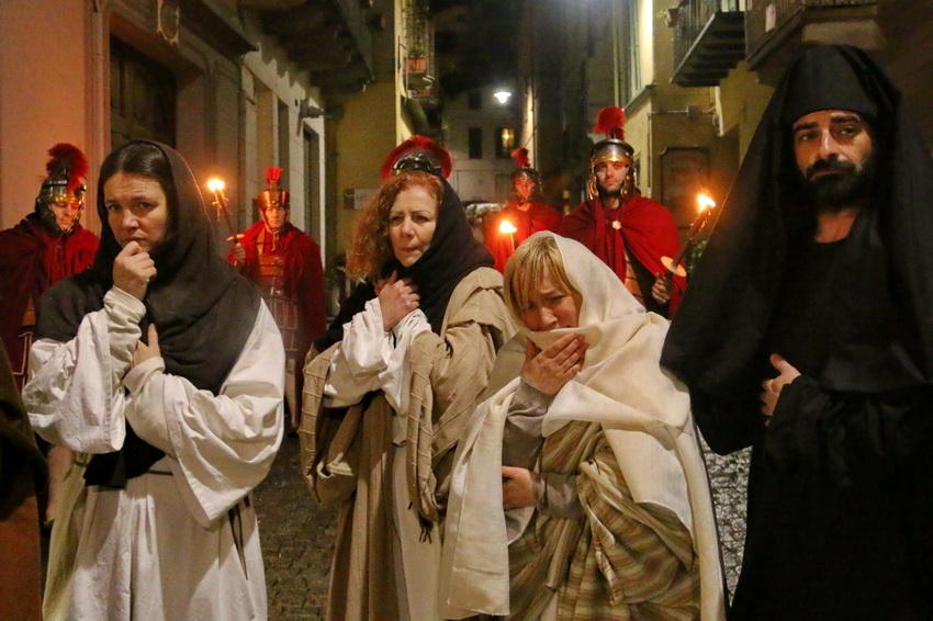Passione di Cristo Ivrea 2017 - UNESCO - Fulvio Lavarino (Giuseppe d Arimatea e le Pie Donne)