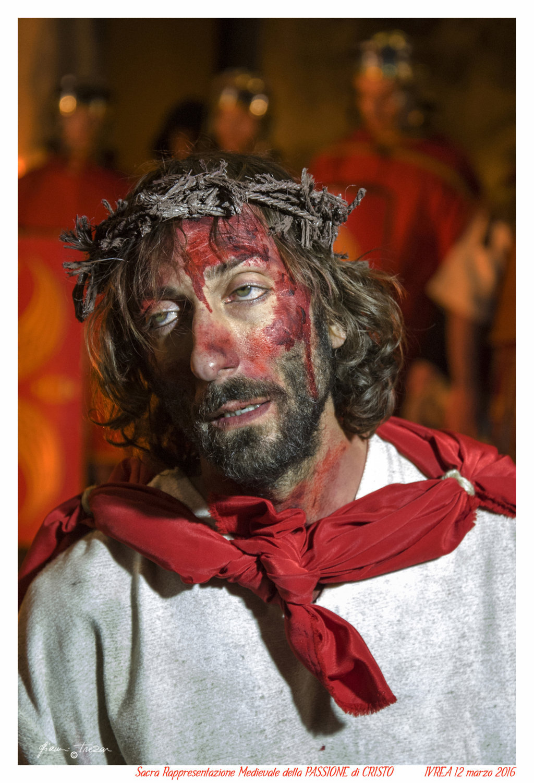 Passione Di Cristo - Ivrea - Gianni Trezar - 2016 -  (Cristo e Mantello) _LQ