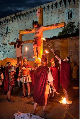 Passione di Cristo IVREA - sulla croce davanti al castello morte sulla croce
