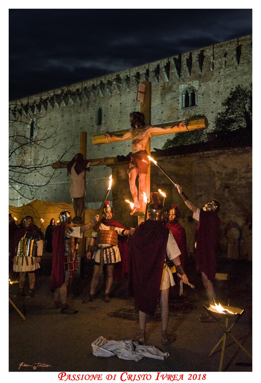 Passione_di_Cristo_Ivrea_2018_-_Città_UNESCO_-_Gianni_Trezar_-_(Cristo_In_Croce)