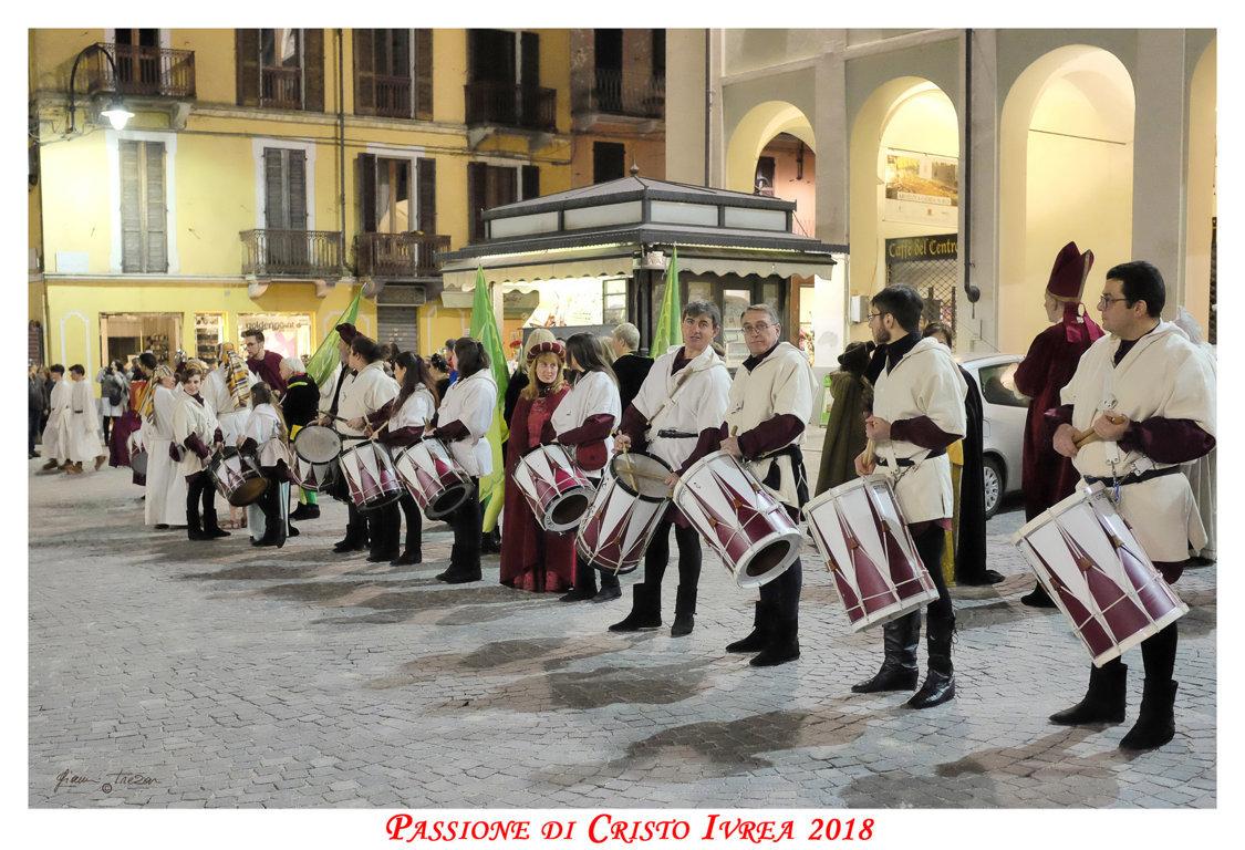 Passione_di_Cristo_Ivrea_2018_-_Città_UNESCO_-_Gianni_Trezar_-_(IJ_Ruset_Tamburi_Colonna_Sonora)