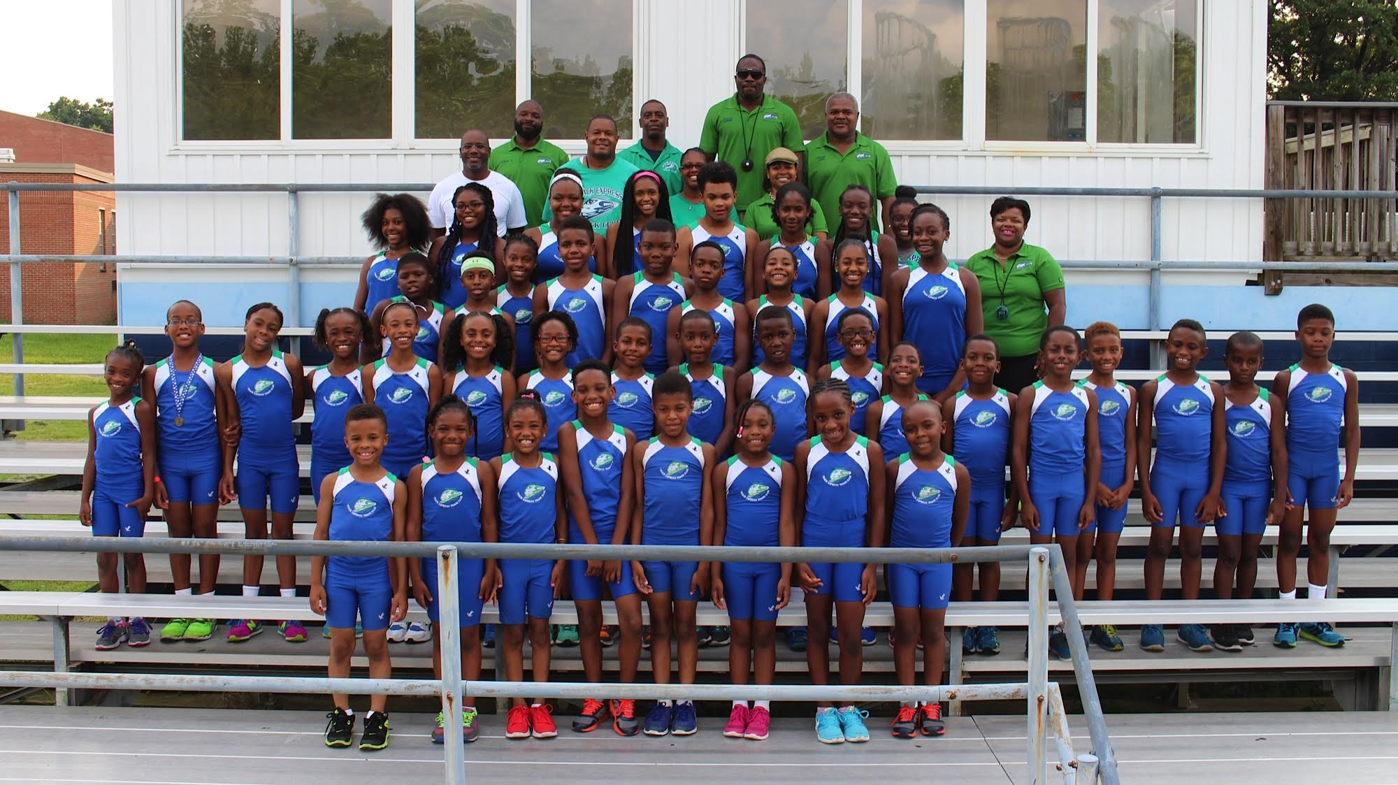 Track Express Team Photo 2015.jpg