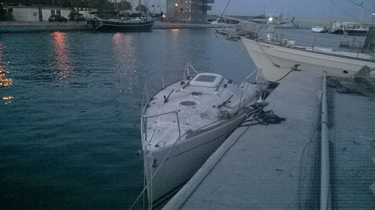 DYNAMIC-BOATS TRABAJO beneteau first 21.7s 3