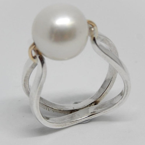 GOLD AND STERLING SILVER PEARL RING