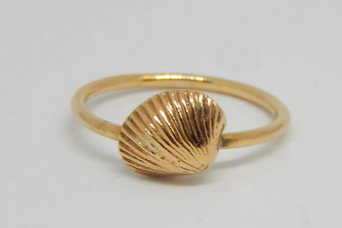 9CT YELLOW GOLD SHELL RING