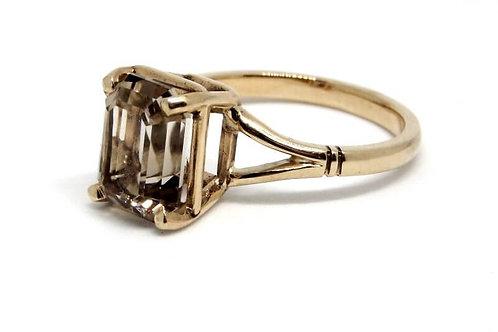 9CT YELLOW GOLD ZIRCON RING