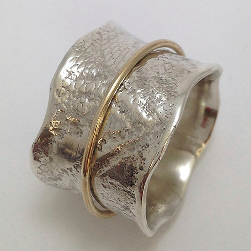 STERLING SILVER, 9 CARAT YELLOW GOLD