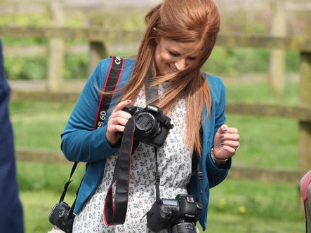 Looking for a Devon wedding photographer? Introducing Snapdragon Photography…