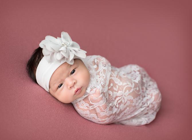 Newborn Session | Smithville, La Grange, Bastrop & Austin Area Photographer