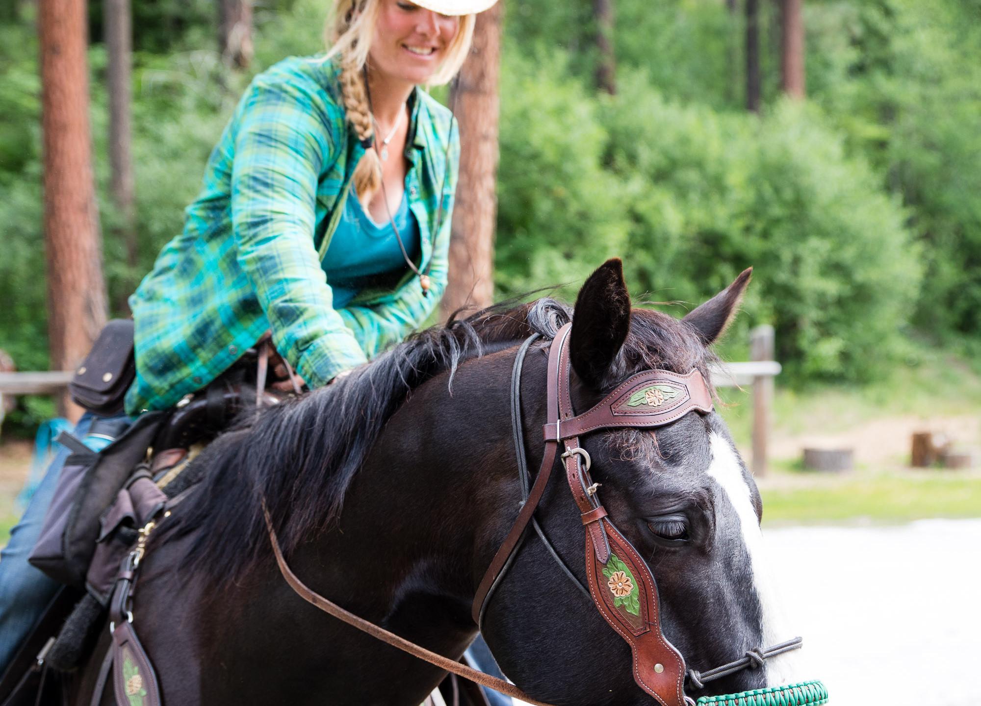 ROTR Horse Riding-3