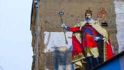 Even kings need selfies