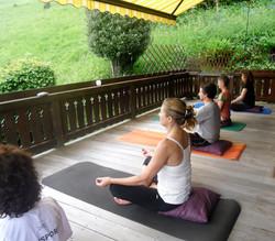 Yoga sur le deck