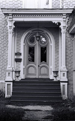 b12000dae2ac389f6a1574c147d123a5--windows-and-doors-old-doors.jpg
