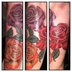Instagram - Roses by Laura @ldati #musiccitytattoo