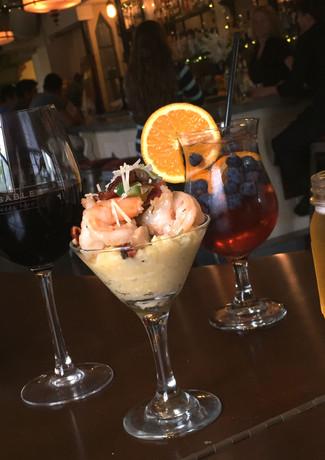 shrimp-n-grits-martini-wine-sangria-oran