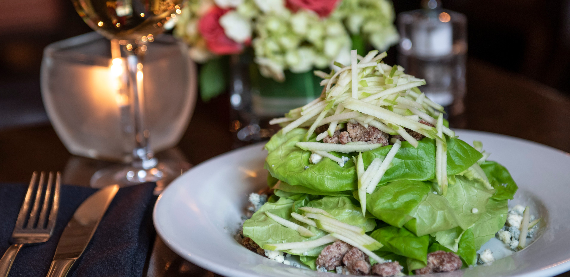 Butter Lettuce & Maytag Blue Cheese Sala