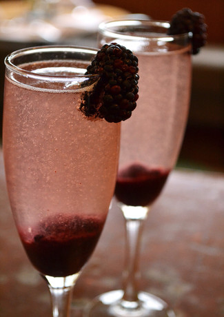 blackberry-bellini_13341127415_o.jpg