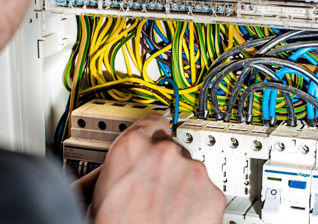 Top 5 Electrical Projects to Improve Your Home This Summer