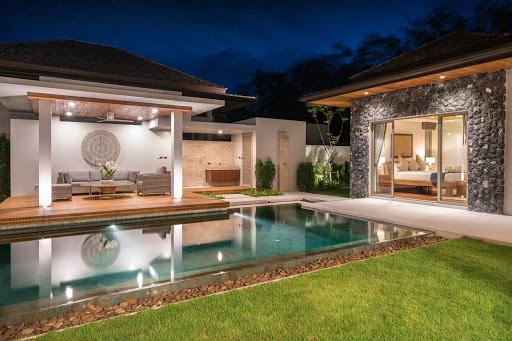 Backyard pool with smart lighting
