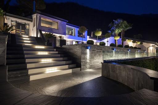Steps with custom lighting