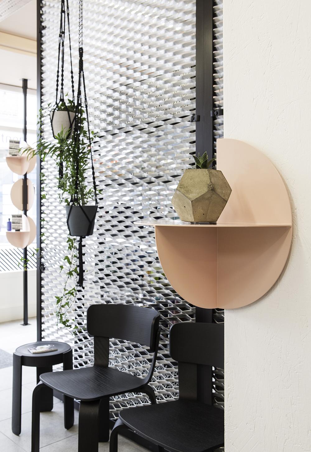 Axial Shelf