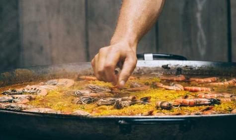 Paella4-lowres_edited.jpg